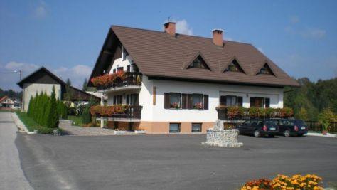 Turistická farma Pr Mark, Idrija - Objekt
