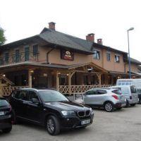 Mostiček Hostel, Medvode - Objekt