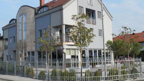 Zimmer und Ferienwohnungen Moravske Toplice 2037, Moravske Toplice - Objekt