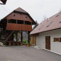 Dom Škocjan 18773, Škocjan - Podwórko