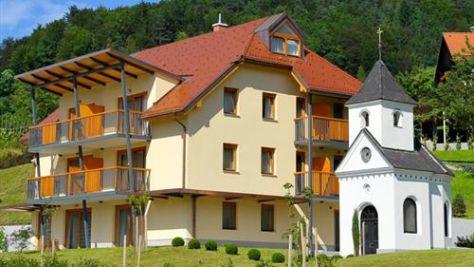 Sobe in apartmaji Laško 2495, Laško - Objekt
