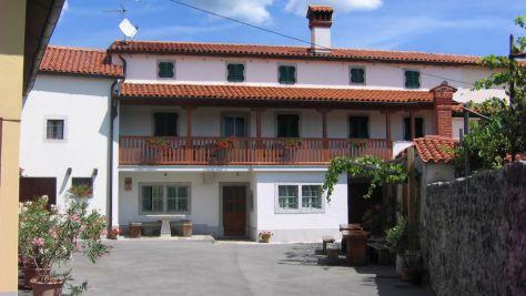 Turistična kmetija Petelin - Durcik, Sežana - Zunanjost objekta