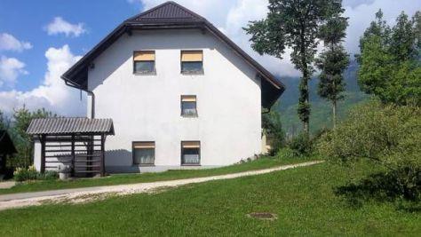 Sobe in apartmaji Bovec 977, Bovec - Objekt